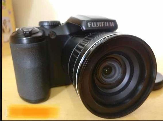 Câmera Fujifilm Finepix S4800