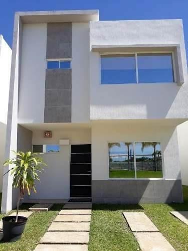 Casa En Venta En Cancun Sobre Av. 135 En Zona De Crecimiento