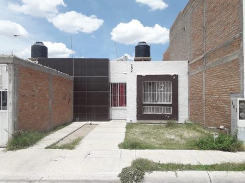 Casa En Venta Fracc. Hogares Del Parque Durango