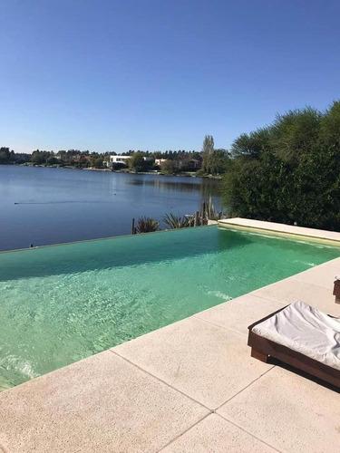 Casa Al Lago En Venta En Talar Del Lago 2