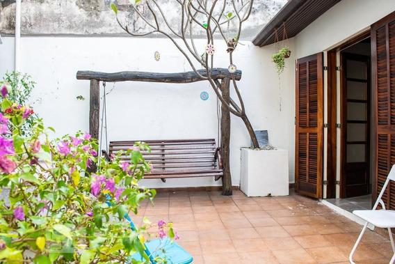 Casa De Vila Com 2 Dormitórios E 2 Garagens - Id: 892918479 - 218479