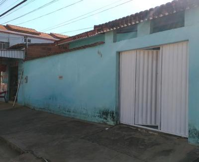 Vende-se Uma Casa Na Rua Primeiro De Maio, 409, Centro