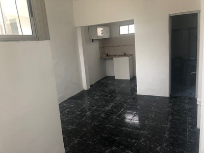 Alquiler Apartamento La Comercial 2 Dormitorios