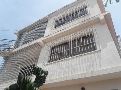 Casa En Venta Las Playitas Sector El Pilar/ Wendys Chango