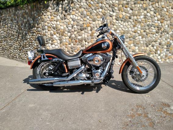 Harley-davidson Dyna Low Raider.