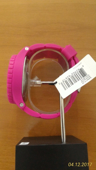 Nixon 51-30 Rubber Shocking Pink