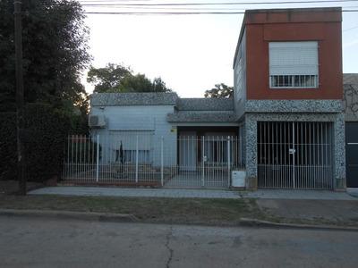 Casa En Gral.rodríguez, Zona Centrica,calle Nueve De Julio