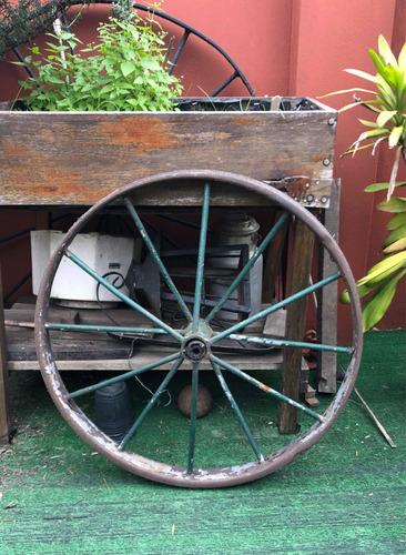 Antigua Rueda De Carro De Hierro
