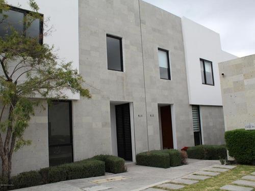 Casa En Renta En El Refugio, Queretaro, Rah-mx-20-2531