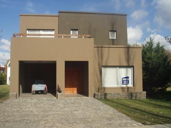 Casa Venta Ccgch En Dos Plantas- Excelente Calidad