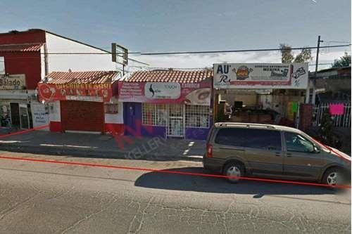 3 Locales Comerciales En Venta En Pueblo Nuevo, Mexicali B.c. Negocio En Marcha, 2 Locales Comerciales Rentados.