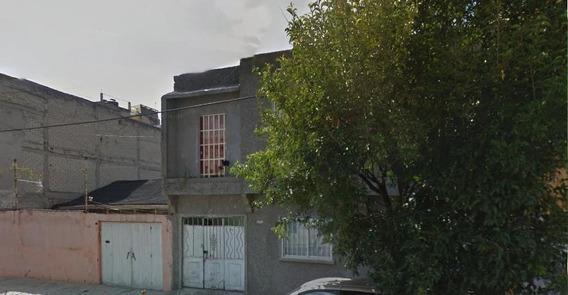 Casa De Remate Bancario. Martires Del Rio Blanco. Gam.