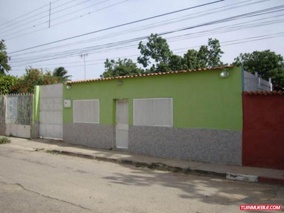 Amplia Casa En Santa Rita