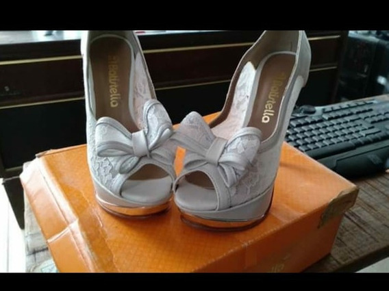 Zapatos Stiletto, Marca Batistella