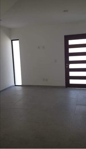 Casa Venta Zibata Fraccionamiento Pitahayas