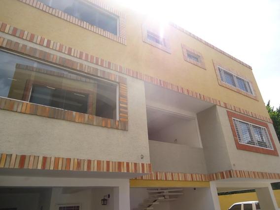 Townhouse En Las Delicias 04121993095