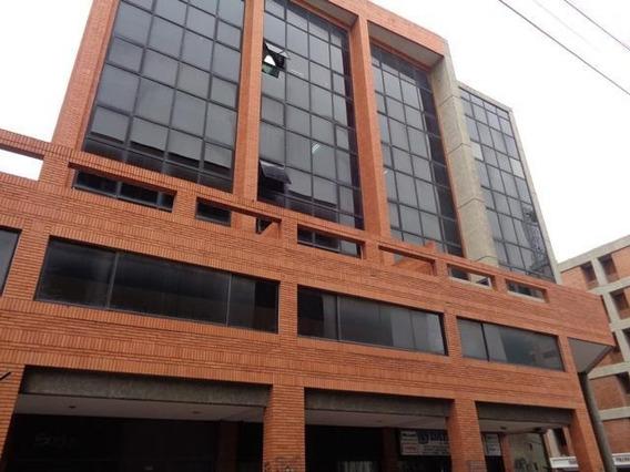Oficina En Venta En El Centro De Barquisimeto #19-16079