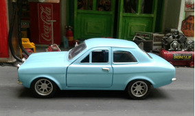 Ford Escort 1/32 Metal Azul Saico !!!!