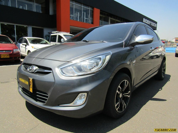 Hyundai I25 Full Equipo
