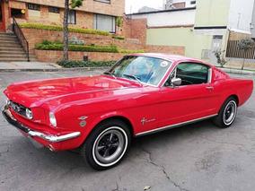 Ford Mustang Fastback Modelo 1965