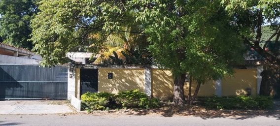 Venta Casa En Urbanización Guaparo