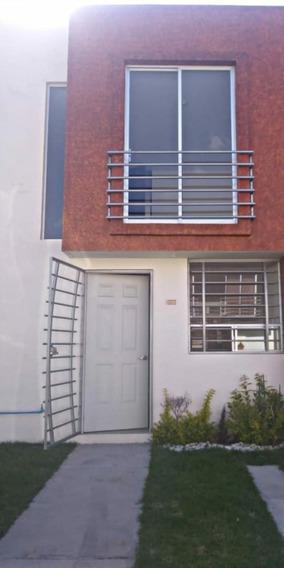 Casa De 2 Recamaras, 1 Baño Y Medio, Sala, Cocina