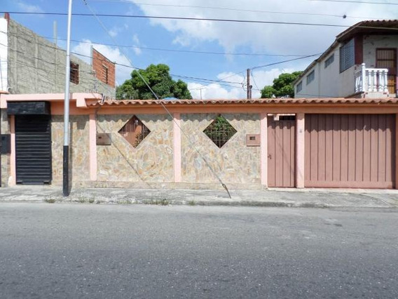 Casa En Venta Barquisimeto 20-3081 Rbw