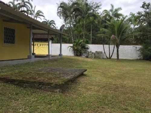 Chácara No Guaráu, Possui Piscina Com Deck Em Peruíbe - 4803