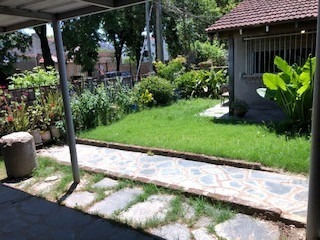 Casa De 4 Ambientes Con Jardin En Alquiler Luis Guillon