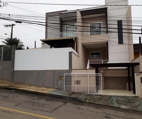 Casa Geminada No Petrópolis Com 2 Quartos Para Locação, 71 M² - Lr103