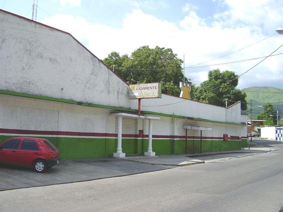 Galpon Con Oficinas Amplia Area De Estacionamiento