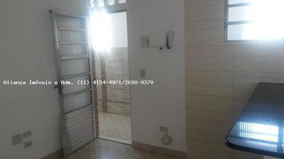 Casa A Locação Em Santana De Parnaíba, Jardim Professor Benoa, 1 Dormitório, 1 Banheiro - 3227