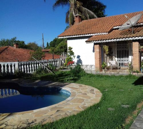 Imagem 1 de 13 de Chacara Com 2 Casas Em Condominio Fechado   Cod:1145
