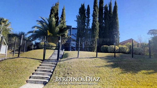 Espectacular Residencia Estilo Minimalista En Playa Mansa.- Ref: 99