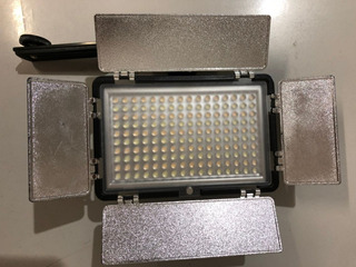 Iluminador Led Verata 1080 160 Ultra Leds - Hvr-d160s Usado