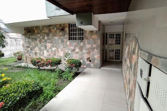Apartamento En Residencias Olga, El Bosque, Maracay, 86m2