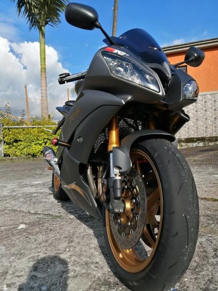 Yamaha R6r Gris