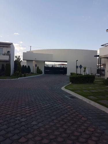 Casa En Venta En Metepec Fracc El Manantial