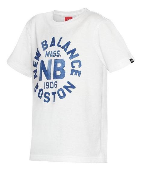 Remera New Balance Boston Blanco Azul Kids Rcmdr