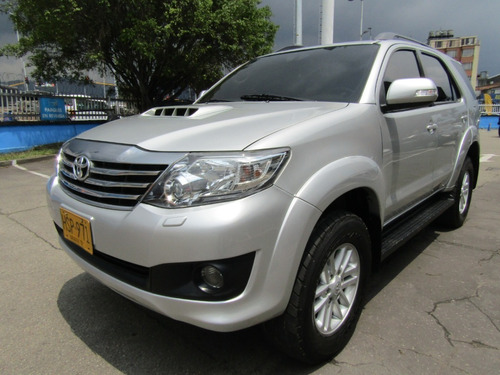 Toyota Fortuner At 3.000 Cc 4x4