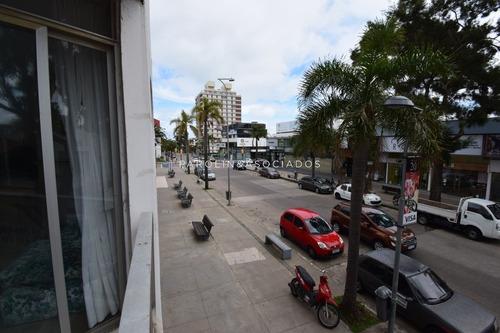 Departamento 3 Dormitorios, Península, Punta Del Este -ref:1256