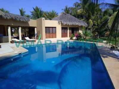 Casa De Playa Frente Al Mar En Residencial Naranjos Puerto Escondido