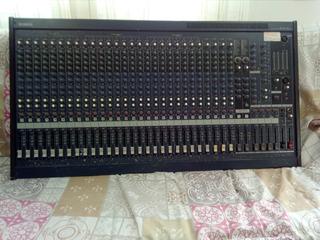 Mesa De Som , Yamaha . Modelo: Mg32/14fx.
