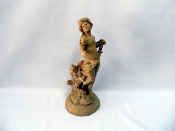 Estátua Antiga De Mármore
