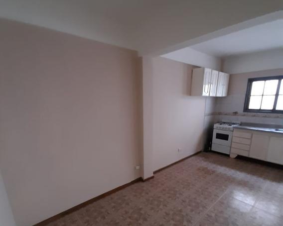 Ph Tipo Casa Con Patio En Villa Luzuriaga
