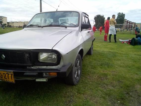 Dacia 4 Puertas. Plateado