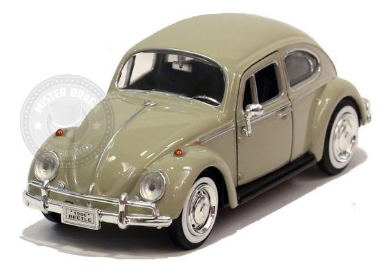 Miniatura Volkswagen Fusca Clássico 1966 Bege 1/24