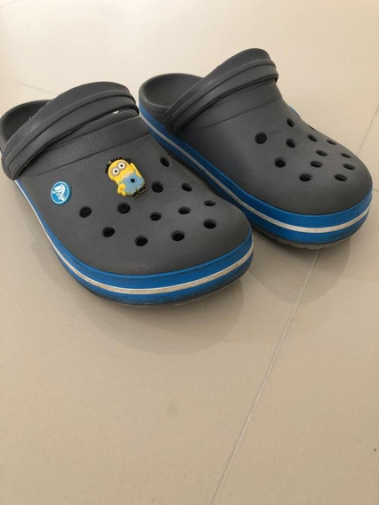 Crocs Cinza Com Azul