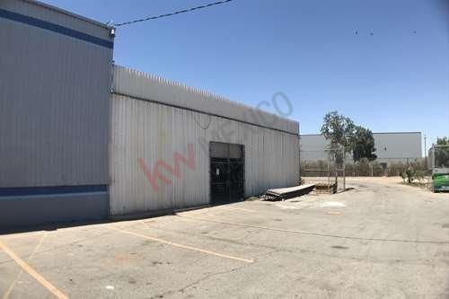 Bodegas En Renta En Excelente Ubicación Km 13.5 Carretera A San Luis Y Novena Fysa Agroplaza