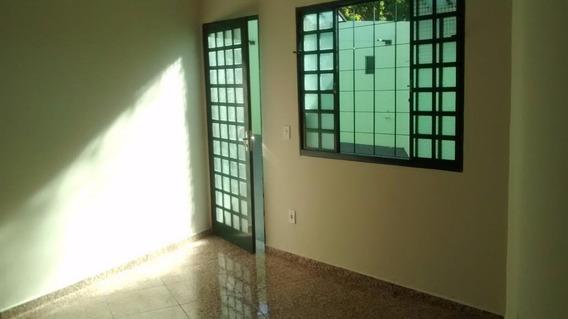 Casa Residencial 2 Dorm. Por R$1.300,00 Para Locação, Jardim Panorama, Valinhos/sp. - Ca1414
